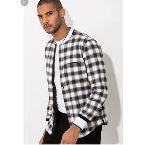 Men's Kit and Ace tremont button up shirt sz S B0